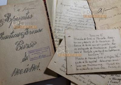 Cuadernos de apuntes manuscritos